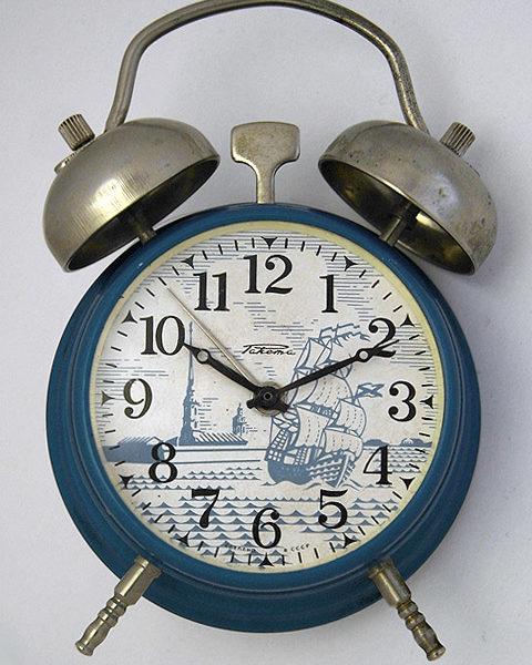 Soviet mechanical alarm signal clock Raketa St.Petersburg USSR 1979