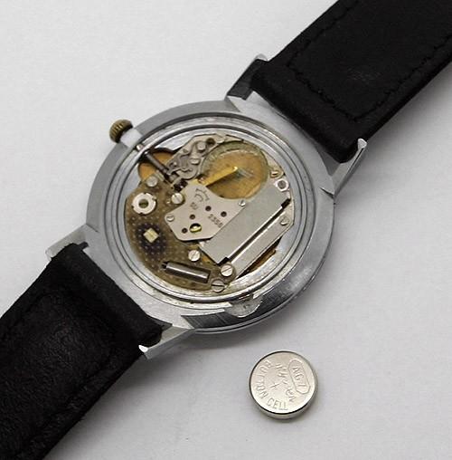 Soviet_quartz_watch_Luch_USSR4