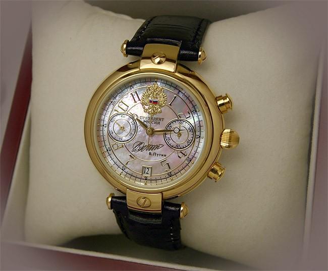 Часы президент часы с государственной символикой, включенные в серию президент , являются уникальным аксессуаром, который идеально подходит в качестве подарка.