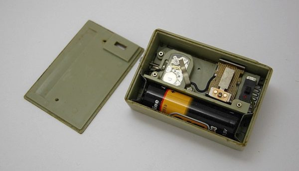electro-mechanical_alarm_clock_Luch5