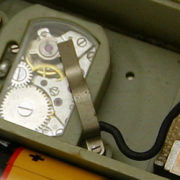 electro-mechanical_alarm_clock_Luch6