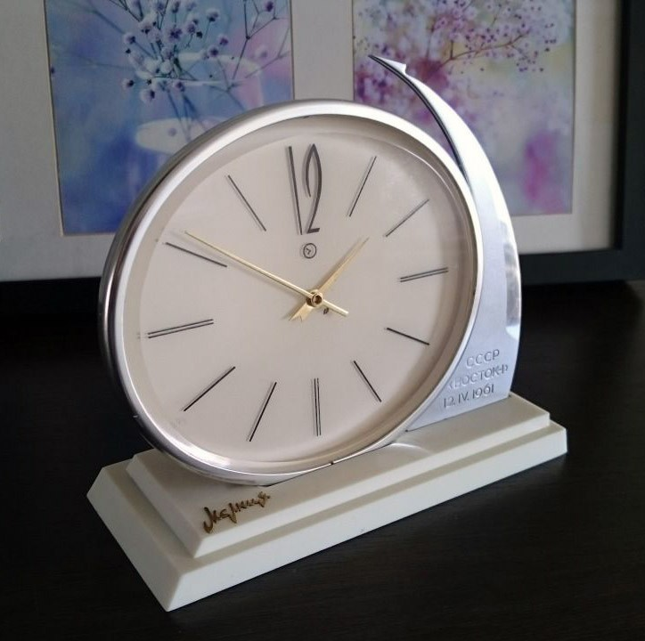molnija_vostok_rocket_clock2