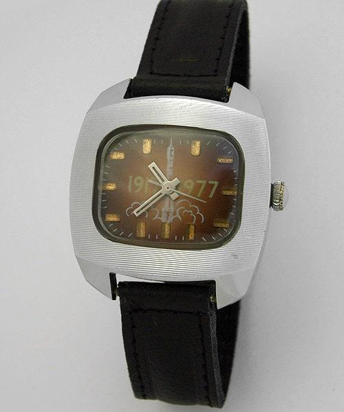 Soviet mechanical watch Raketa Great October Socialist Revolution USSR 1977