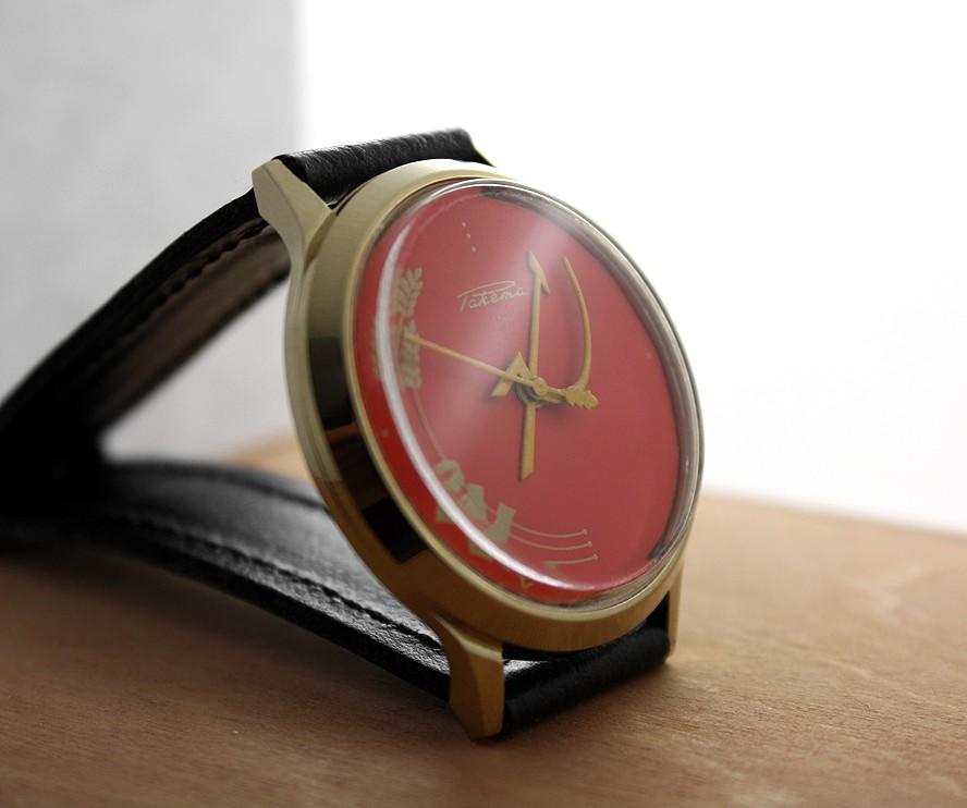 Russian mechanical watch RAKETA Hammer and Sickle Red 35 mm