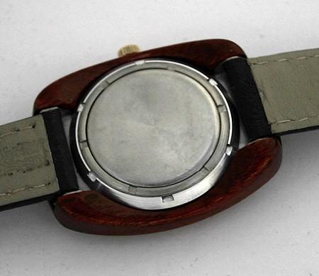 raketa_wooden_case_USSR_1975_3