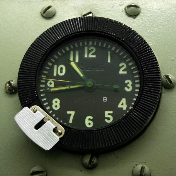 russian_tank_clock_117-chs_3