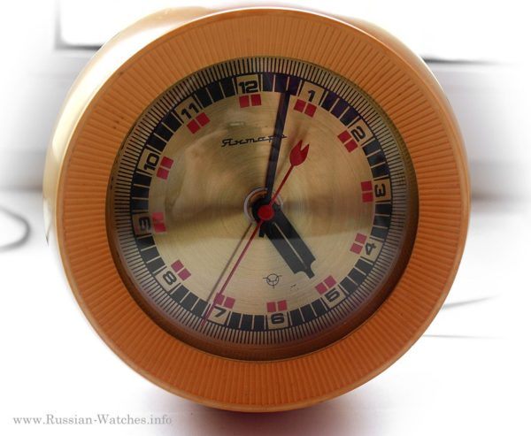 Russian Electro-Mechanical Desk Clock Yantar Roly-Poly USSR 1980s