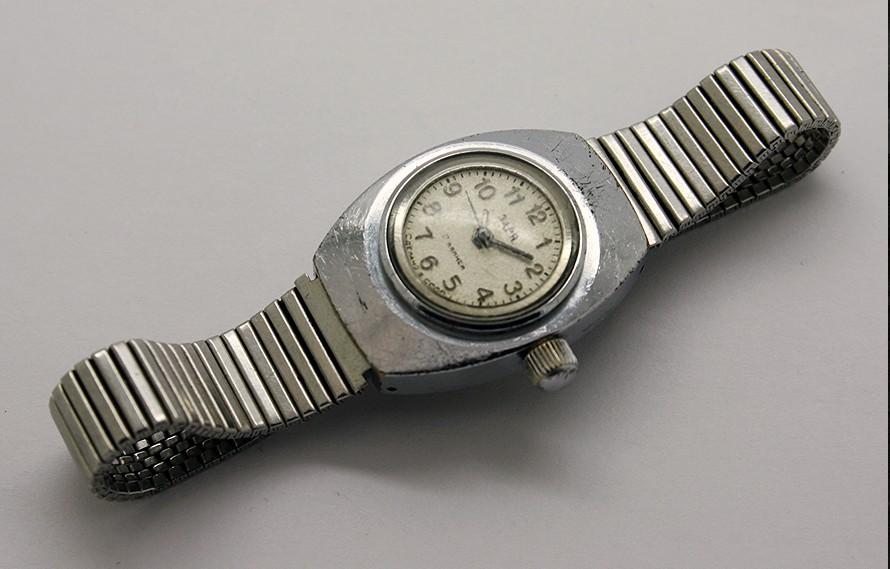 Russian Vintage Zarja Amphibian Ladies Diver Watch USSR 1970s