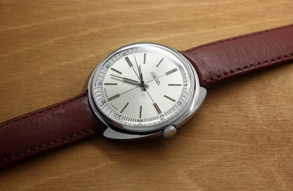 Russian mechanical watch Raketa 2609 USSR 1985